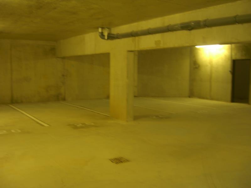 Garage/Box à vendre  à bagnols sur ceze