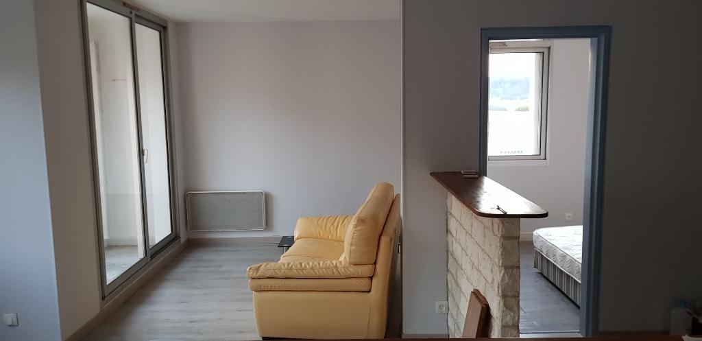 Appartement Bagnols Sur Ceze 2 pièce(s) 49.38 m2 à vendre PRET DES  COMMERCES