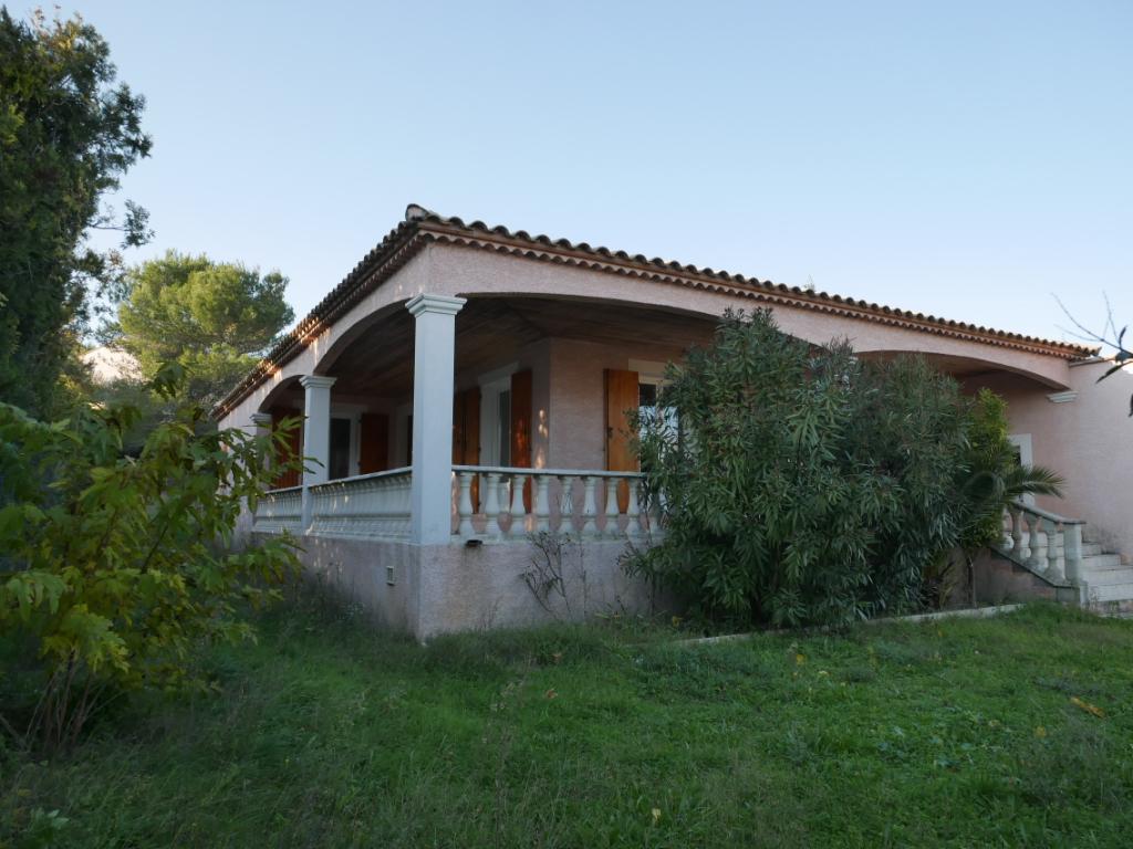 Villa récente à vendre située à 5kms de Bagnols sur Cèze 5 pièces 100 m2