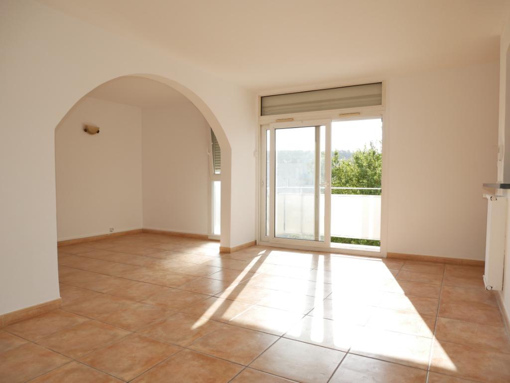 Appartement Bagnols Sur Cèze 4 pièces 66 m² à vendre  avec garage fermé