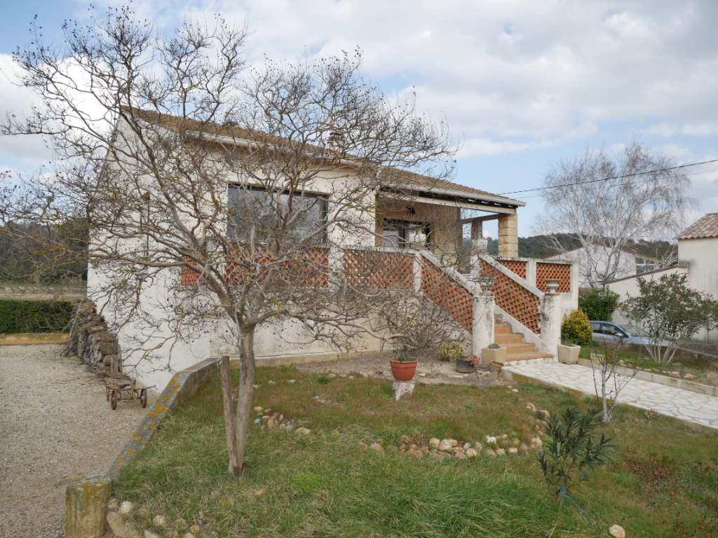 Villa Bagnols Sur Ceze 5 pièces 112 m² avec 1,39 hectare de terre à vendre
