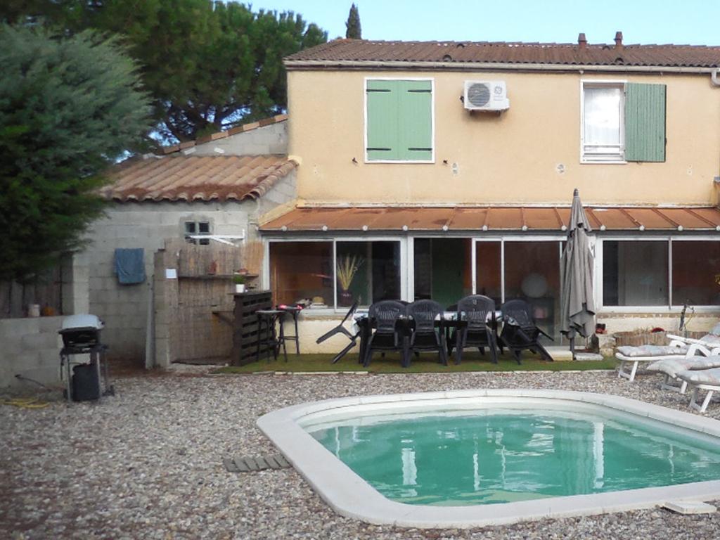 Maison avec grande Véranda  à Laudun 5 pièces 113 m² à vendre