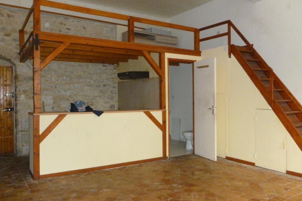 Immeuble de 4 Appts à forte rentabilité à Bagnols Sur Cèze 176 m² à vendre