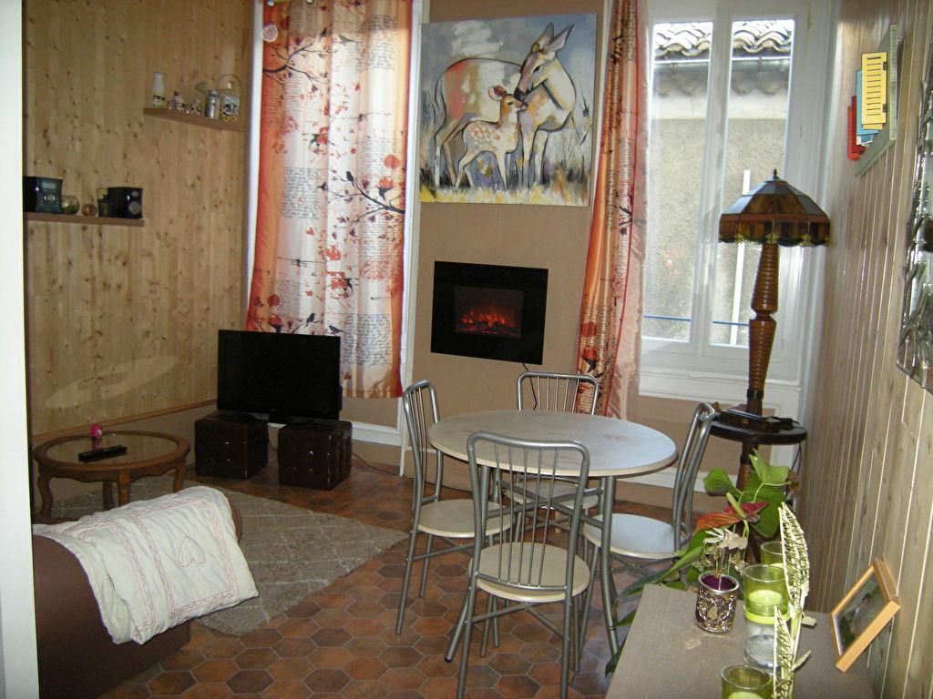 À vendre, appartement de 40 m², 2 pièces à Bagnols-Sur-Ceze (30200).