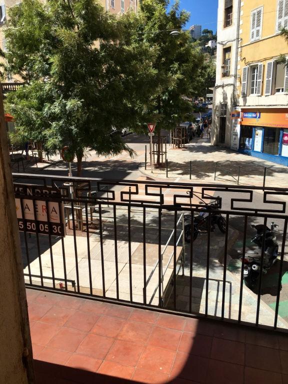 Bastia centre-ville, proche Palais de Justice, appartement à usage bureaux à louer