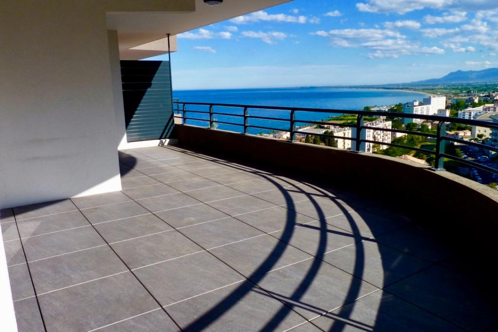 Bastia Location Appartement récent grand 2 pièces de 50 m2 avec Box Terrasse XXL Vue mer