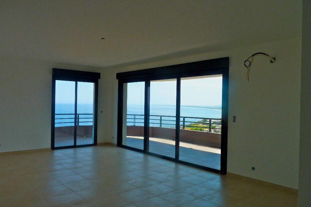 Location Bastia -  Grand T3 avec Terrasse et Box - Vue mer - Prestations haut de gamme