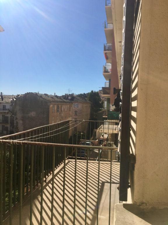 Location Appartement Bastia centre 2 pièces 47 m2 Cuisine équipée Terrasse Cave