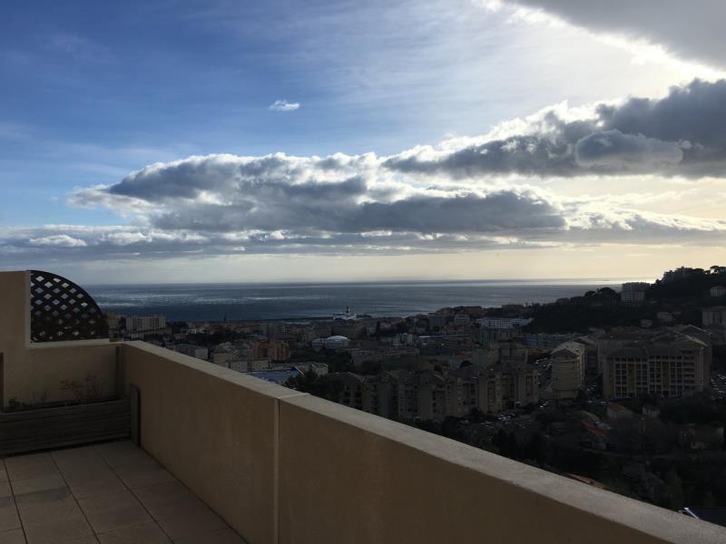 Bastia nord Location appartement 2 pièces  de 45 m2 avec terrasse vue mer de 30 m2 et parking privatif - Dernier étage ascenseur