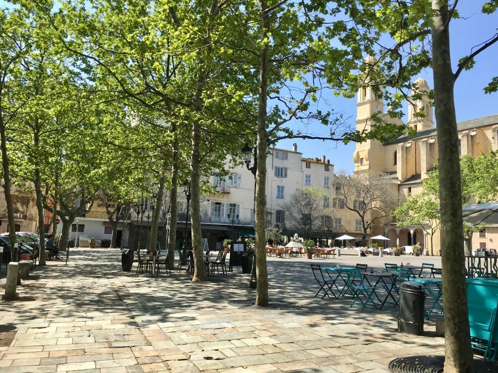 Bastia centre Local commercial à louer (sans droit d'entrée). Bel emplacement
