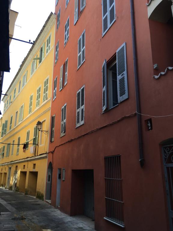 A louer un bel appartement T3 centre ancien de Bastia