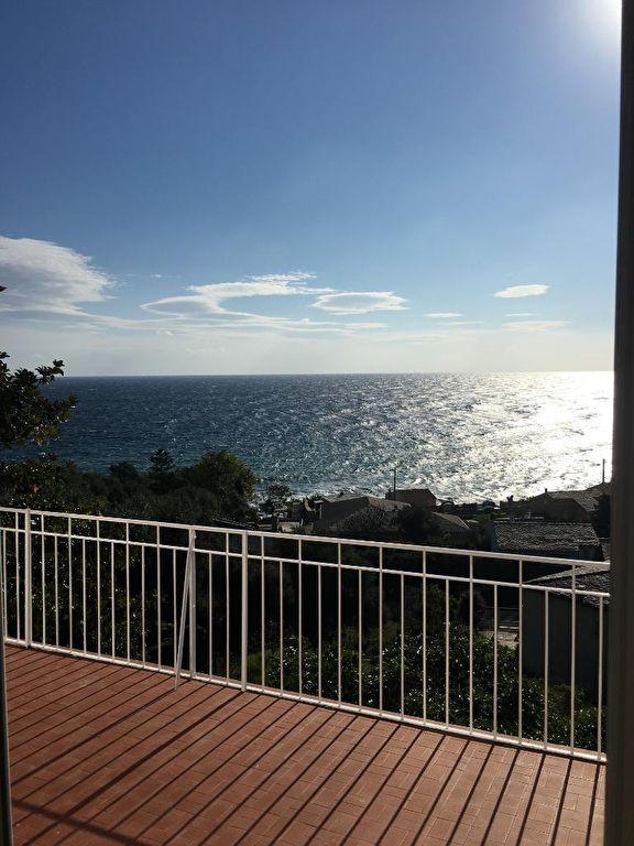 A vendre en Corse, une jolie Villa Rte de la Corniche à Miomo  Santa-Maria-di-Lota