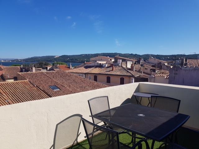 A vendre à Martigues un joli appartement T3 en triplex avec terrasse et garage...