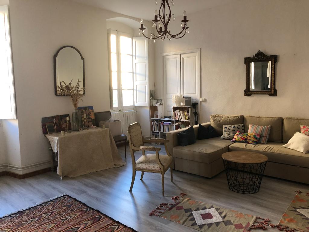Location Bastia hyper-centre Rue César Campinchi - Appartement  5 pièces 107 m2 - Cuisine équipée - 2 pièces d'eau - Balcon