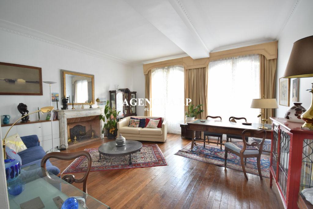 Appartement  2 pièces en face des Jardins du Luxembourg