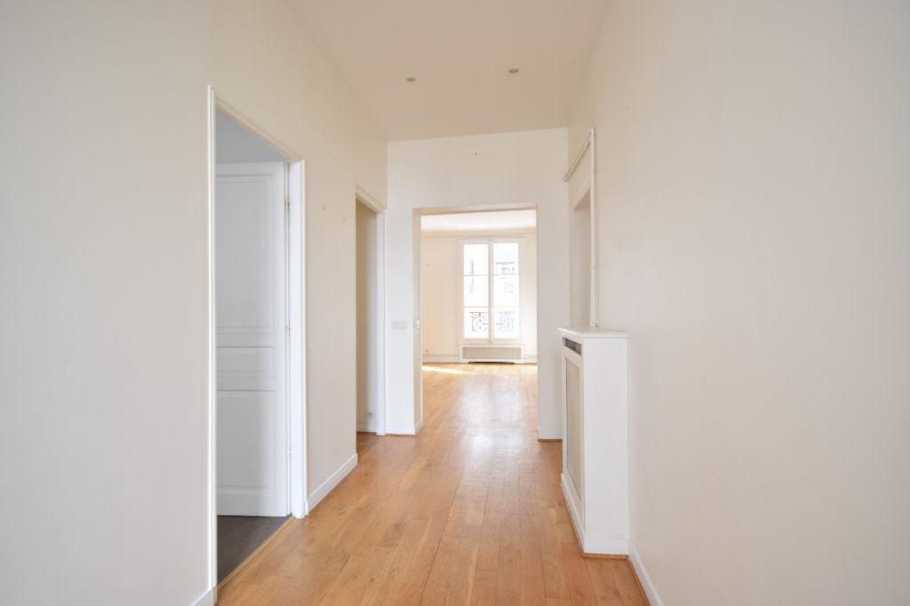Appartement Paris 3/4 pièces 100 m2 beaux volumes