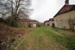 Forêt d'Othe Maison de village à rénover sur 2 507 m² de terrain