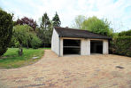 Grande propriété de 9 pieces 5 chambres 300 m2 habitable a Pont Sur Vanne sur 2997 m2 de jardin avec riviere
