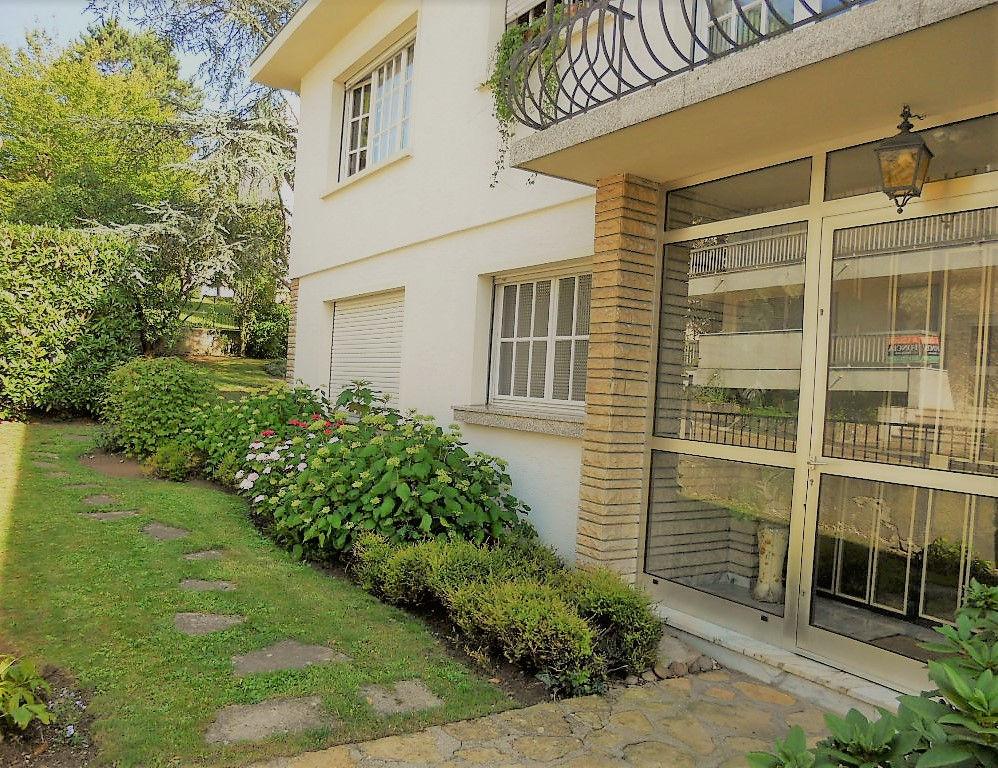 Maison 9 pièces 5 chambres 210 m² 2 garages à vendre à METZ QUEULEU