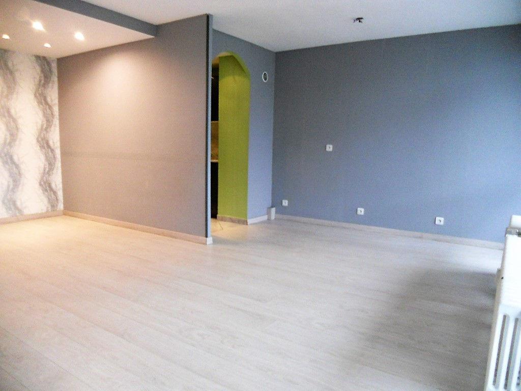 Appartement 2 pièces 46 m² cave parking à vendre à METZ