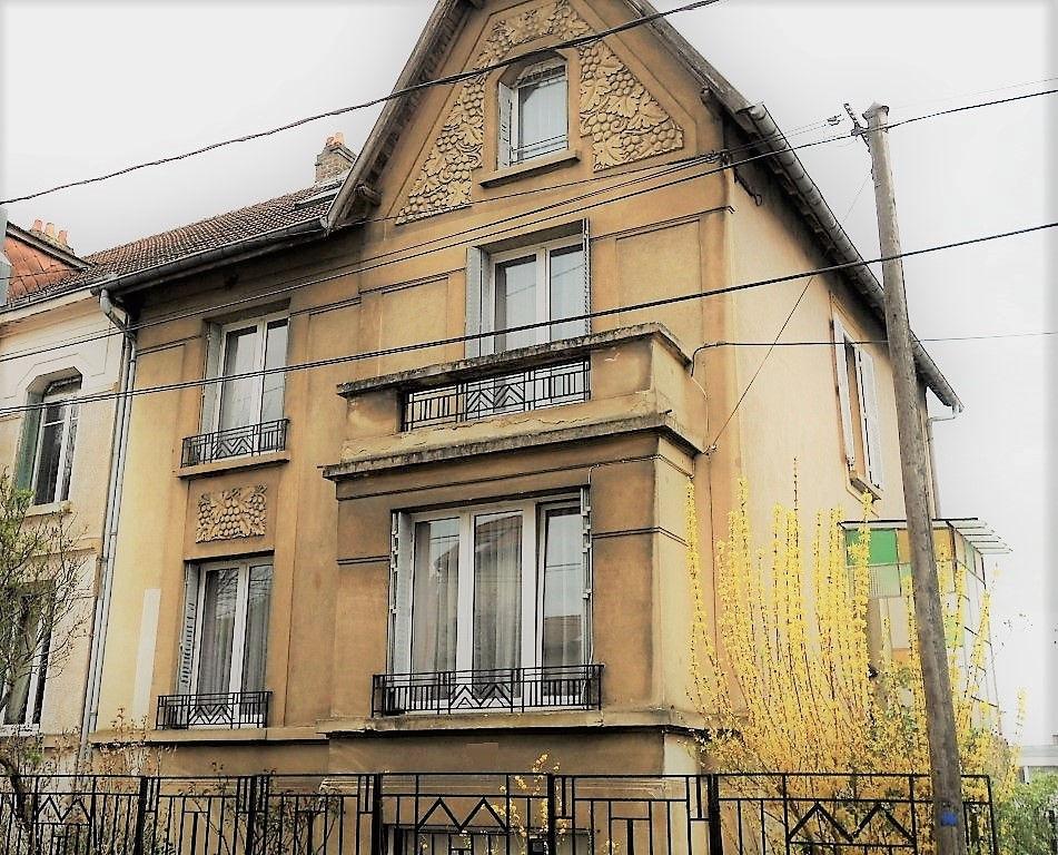 Maison 171 m² 8 pièces 6 chambres à vendre à METZ QUEULEU