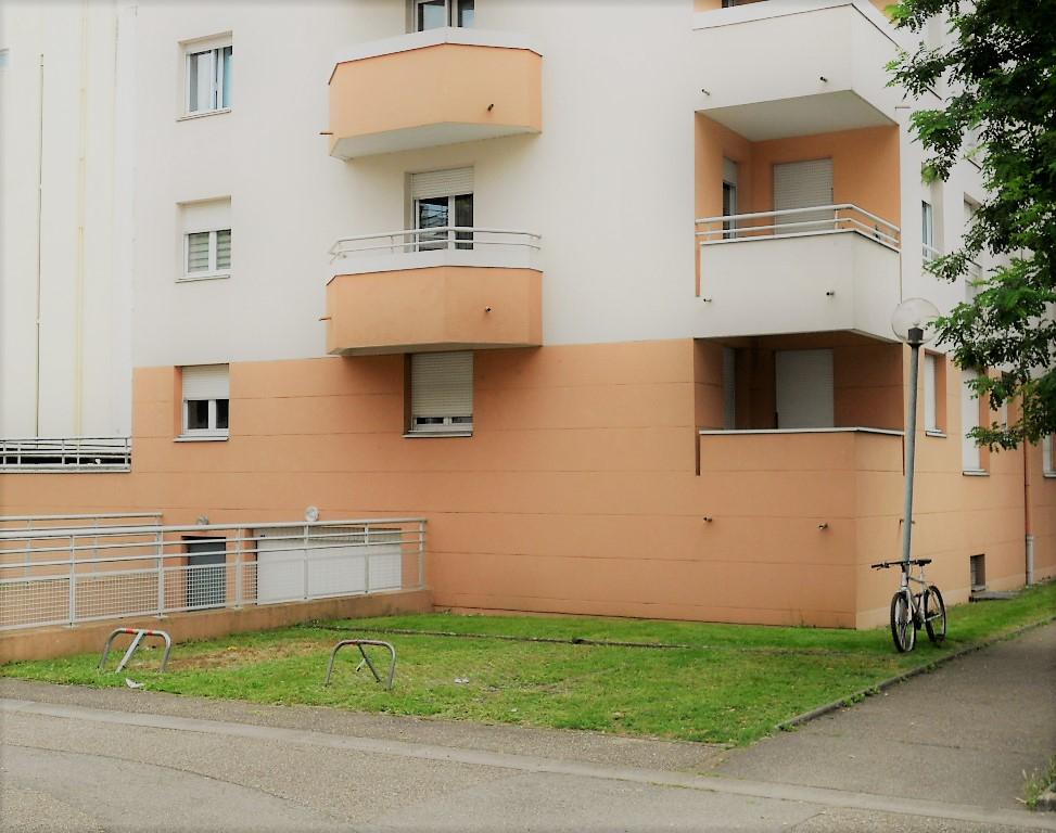 Appartement 2 pièces 48 m² 1 chambre balcon Box en sous-sol à vendre à METZ Sablon
