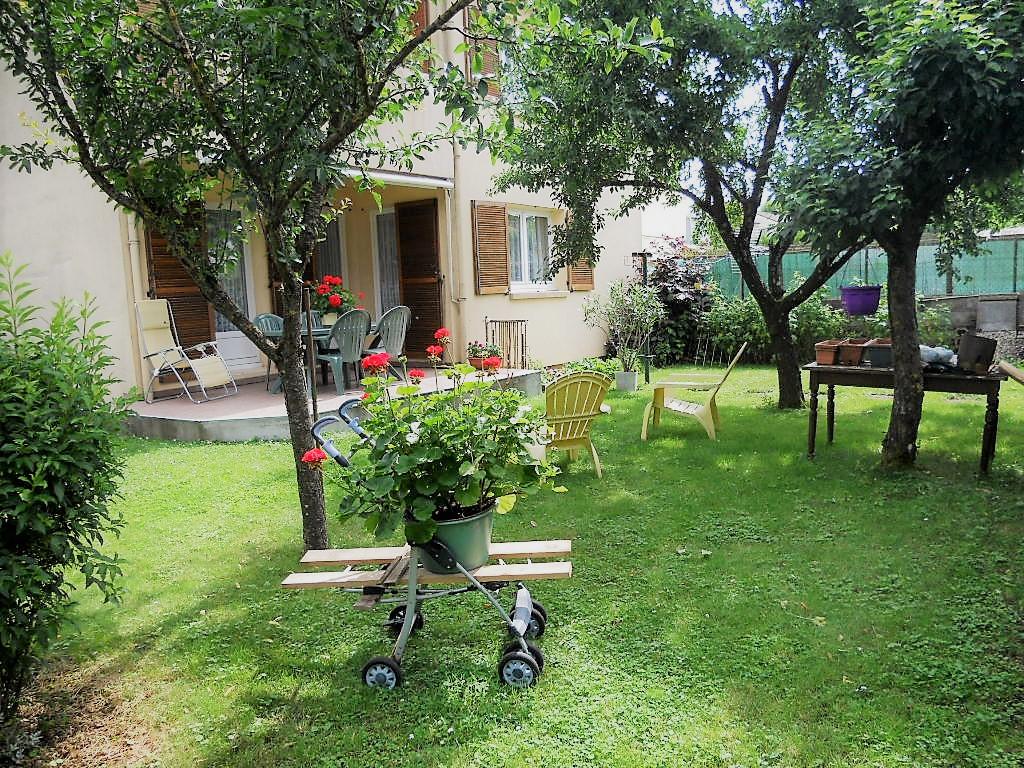 Maison 5 pièces 107 m² GARAGE JARDIN  à vendre à Sainte MARIE AUX CHENES