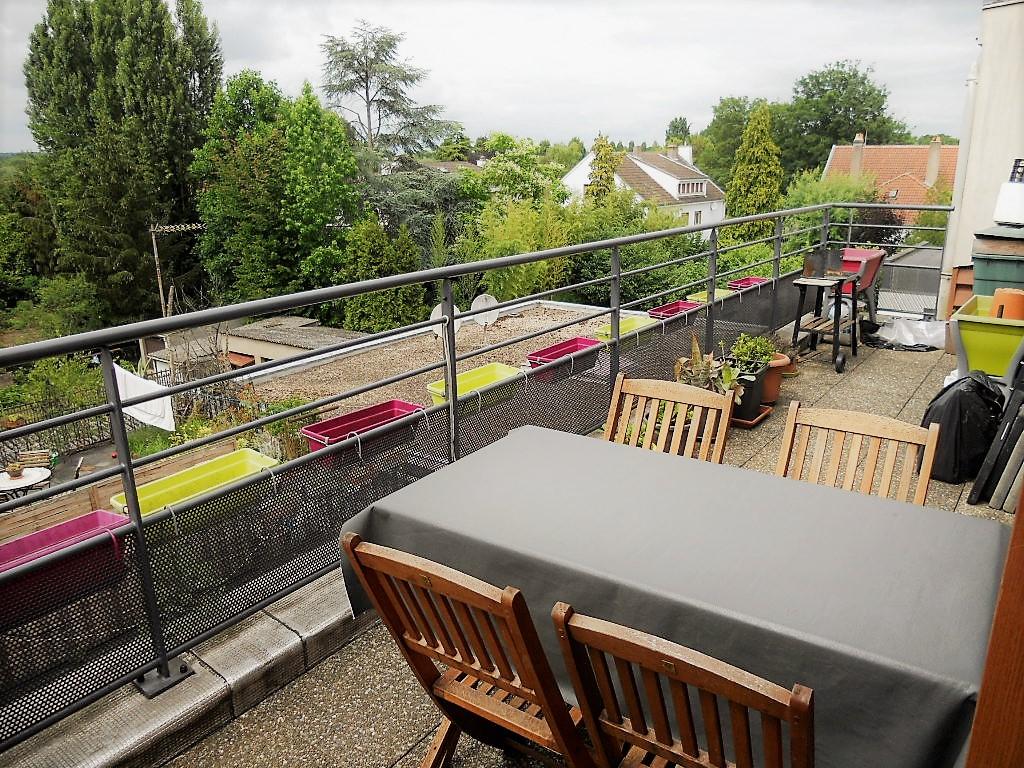 Appartement 3 pièces 75 m² 2 chambres Terrasse 2 parkings à louer à LONGEVILLE SAINT SYMPHORIEN