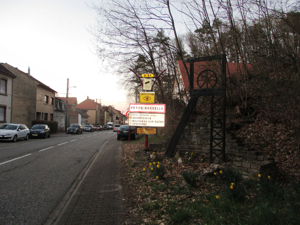 Terrain Petite-Rosselle 1000 m² à vendre à PETITE-ROSSELLE