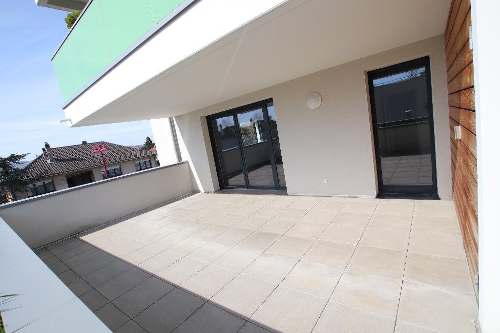 Appartement 5 pièces 88 m² 3 chambres terrasse 2 garages à louer à MARLY