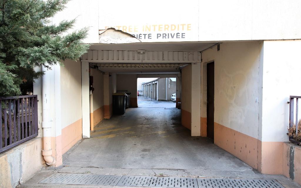 Garage 15 m² securisé dans cour à louer à METZ SABLON