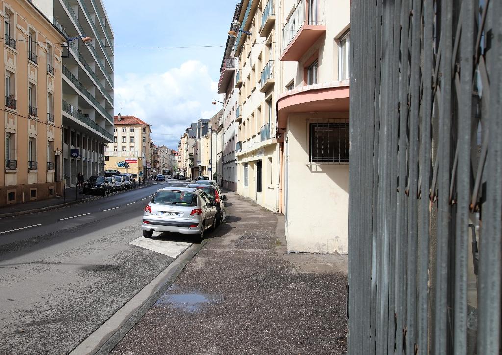 Local commercial 2 pièces 49 m² en rez-de-chaussée à vendre à METZ SABLON
