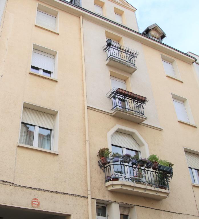 Appartement 4 pièces en dernier étage 2 chambres cave à vendre à METZ SABLON