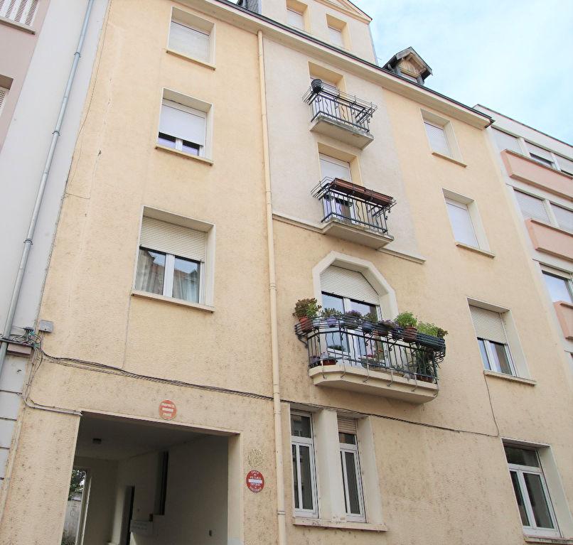 Appartement 4 pièces avec balcons 2 chambres cave à vendre à METZ SABLON