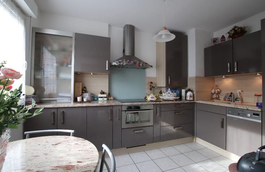 Appartement 3 pièces 63 m² 2 chambres terrasse box et parking à vendre à METZ Sablon