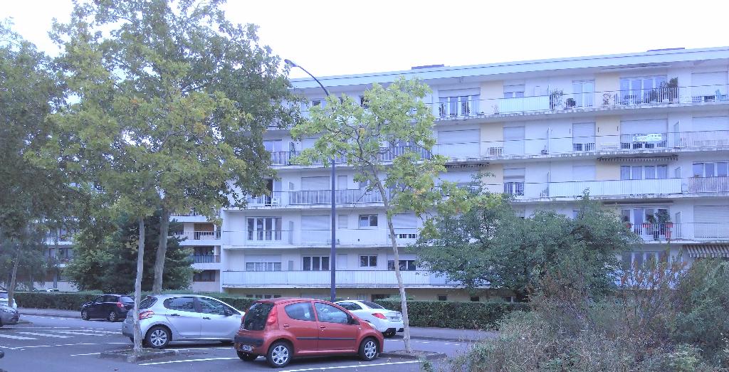 Appartement 3 pièces 70 m² 2 chambres balcon à louer à METZ SABLON