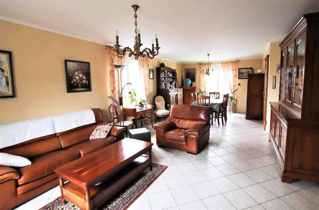 Maison 6 pièces 130 m² 4 chambres garage 2VL sur terrain de 7 ares à vendre à FAULQUEMONT