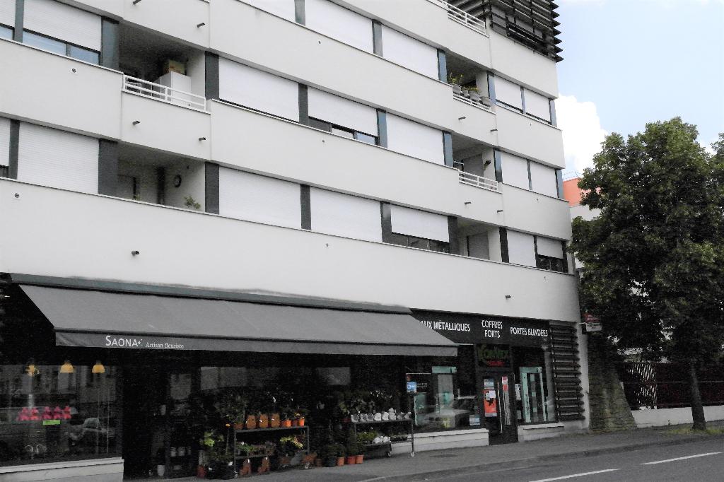 Appartement 3 pièces 64 m² avec 2 chambres, terrasse box en sous-sol à louer à METZ Proche GARE
