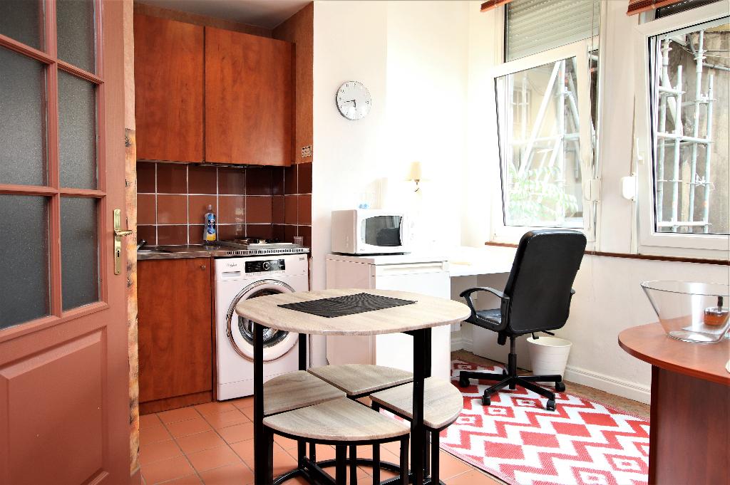 Appartement meublé 1 pièce 27 m² balcon à louer à METZ Gare