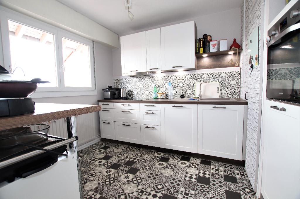 En dernier étage, appartement 2 pièces 46 m² terrasse stationnement à vendre à METZ Sablon