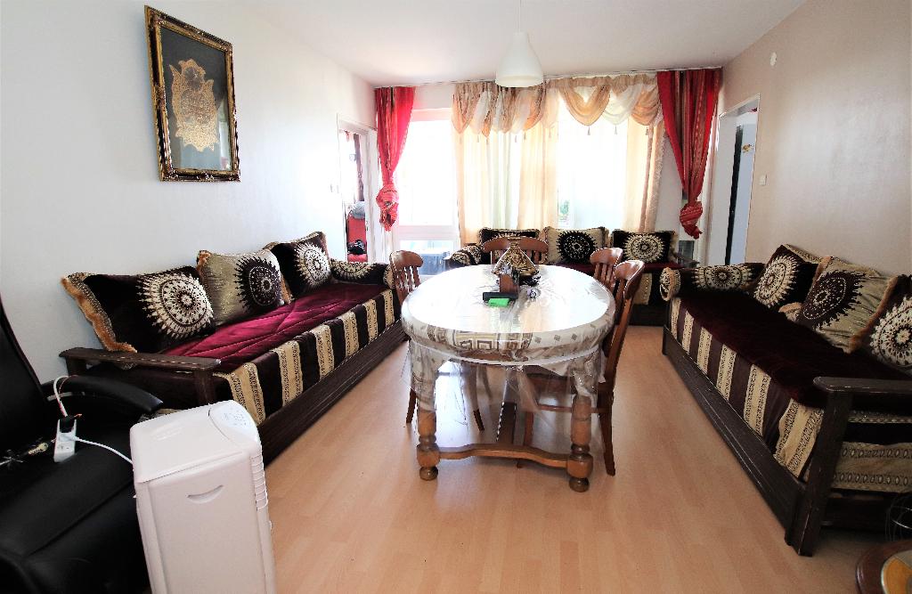Appartement 4 pièces 93 m² 3 chambres loggia parking en sous-sol à vendre à METZ BORNY