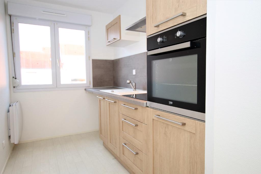 Appartement 2 pièces de 50 m² avec c ave et box en sous-sol à louer à METZ Sablon