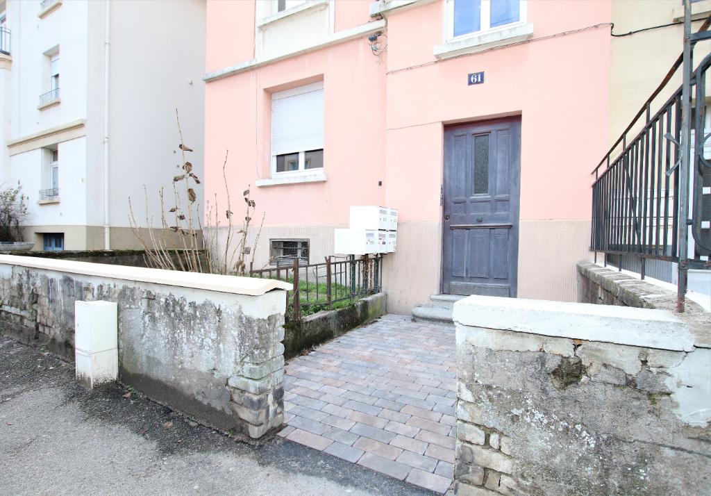 Appartement 2 pièces 50 m² cave cour et jardin de 70 m² à louer à METZ Sainte Thérèse