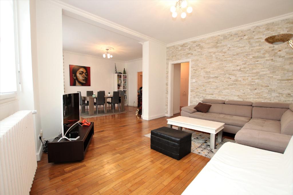Appartement 4 pièces 117 m² 2 chambres loggia garage jardin à vendre à MONTIGNY-Lès-Metz