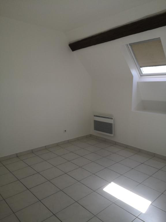 JOUY CENTRE T2 33 m²