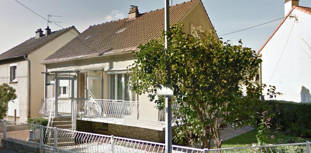 Chartres: Maison sur sous-sol: 4 chambres !