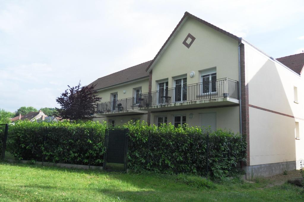 PIERRES T2 50 m² AVEC JARDIN PRIVATIF