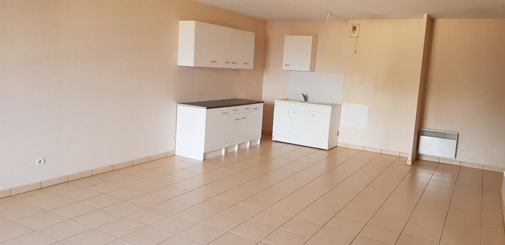 Appartement Auneau 2 pièce(s) 58.90 m2