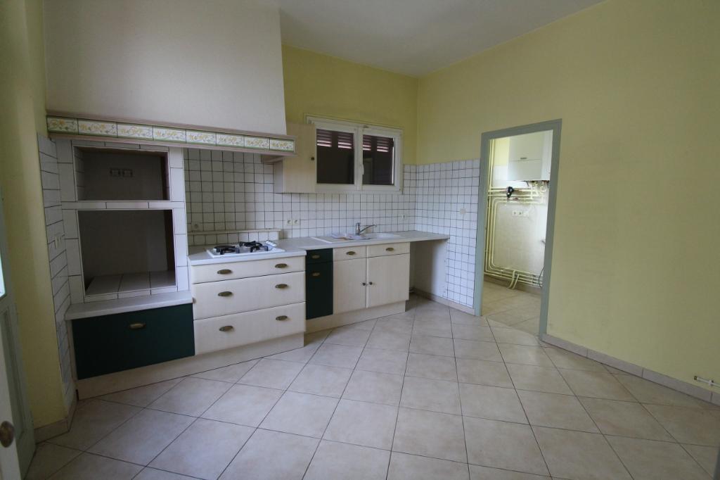 Maison Leves 6 pièce(s) 152.35 m2