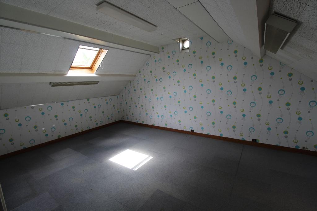 SECTEUR BAILLEAU LE PIN MAISON 8 pièce(s) 173 m²